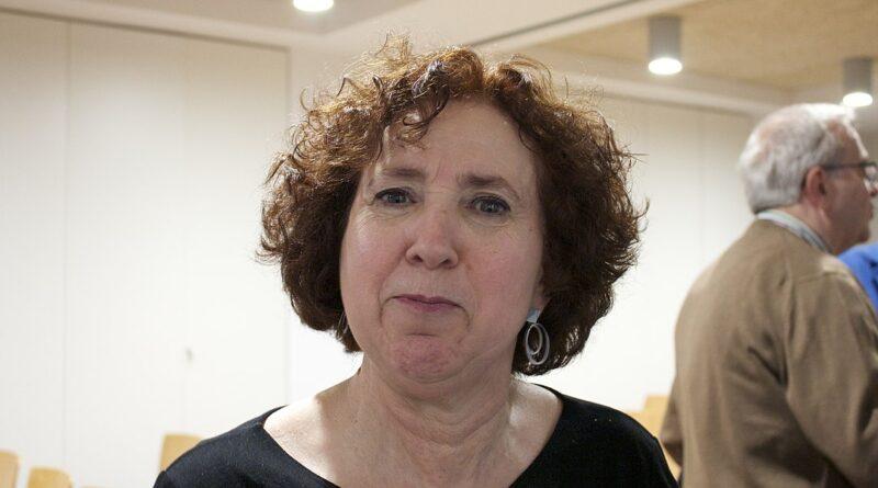 Elena Sanz en una charla sobre conocimiento libre en Pamplona, mayo 2019. Autor Jialxv CC-BY-SA 4.0
